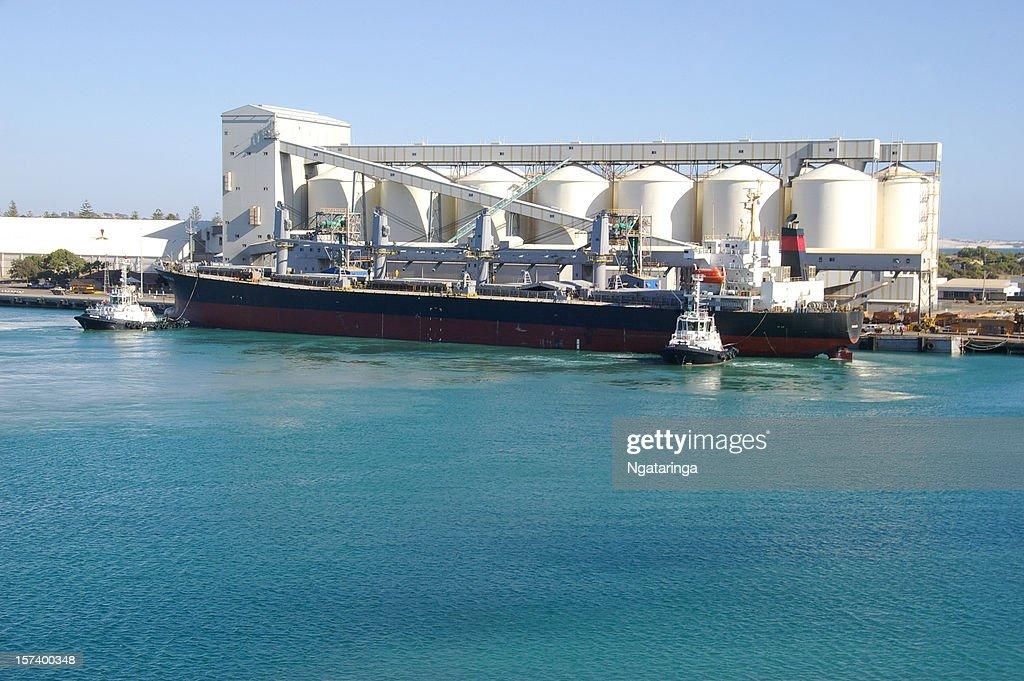 Wheat bulk ship : Stock Photo