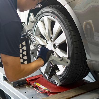 Wheel Alignment 827583206
