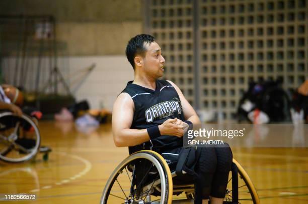 wheel chair basket ball - スポーツ  ストックフォトと画像
