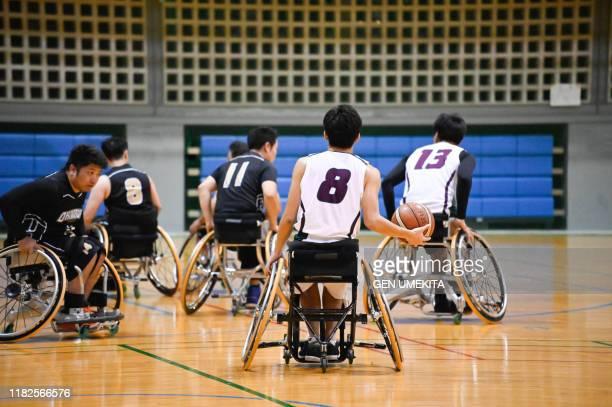 wheel chair basket ball - 選手  ストックフォトと画像