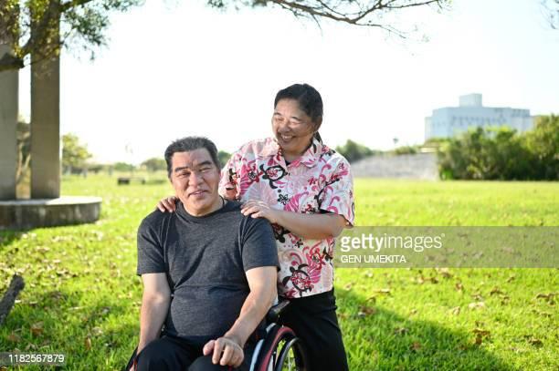 wheel chair racer - 身体障害 ストックフォトと画像