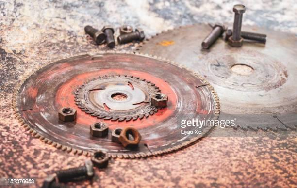 wheel gear and bolt - liyao xie fotografías e imágenes de stock