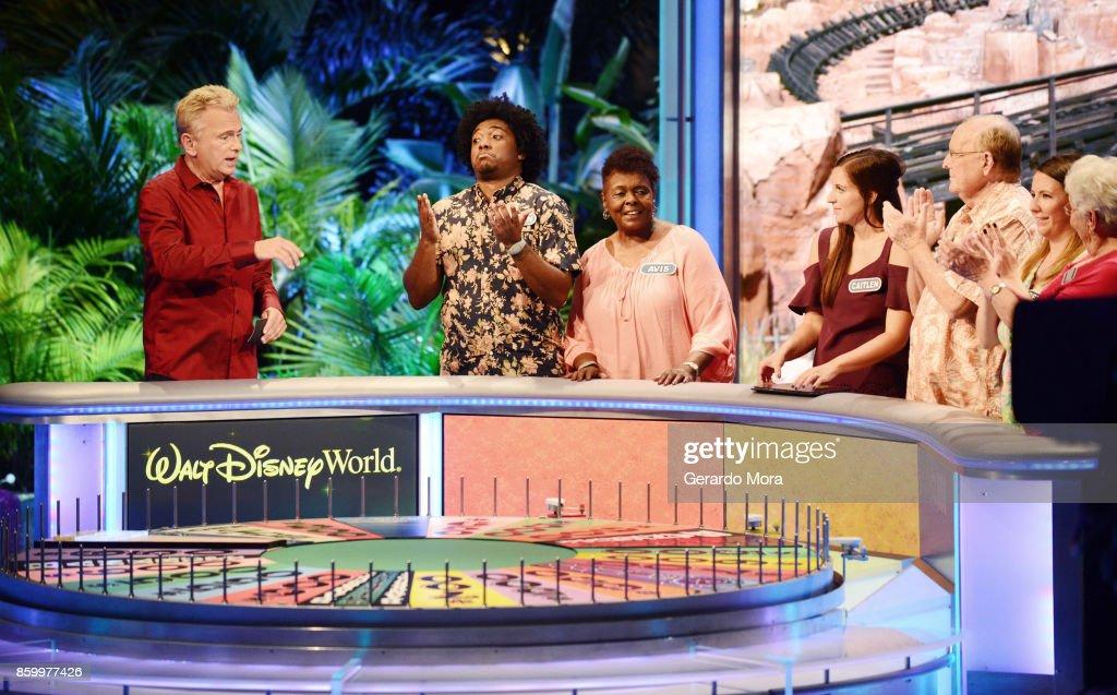 """""""Wheel Of Fortune"""" Celebrates 35th Anniversary Of Disney's Epcot Center : Nieuwsfoto's"""