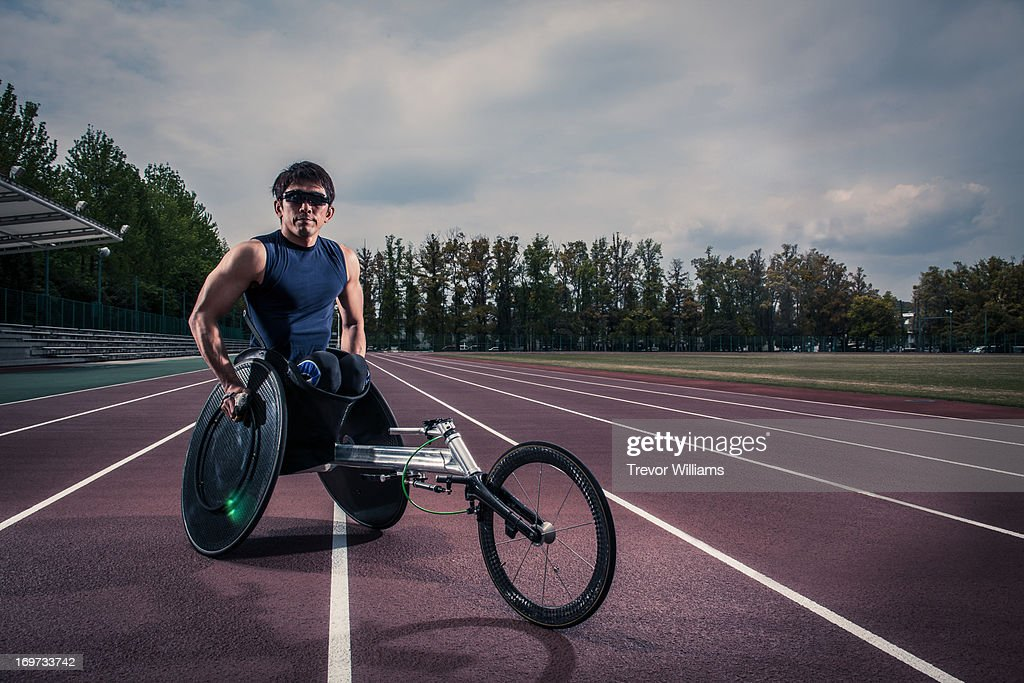 Wheelchair athlete racing : ストックフォト