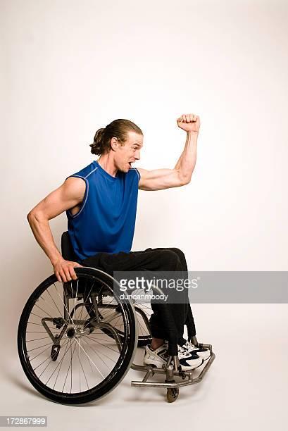 車椅子のバスケットボール拳パンプス