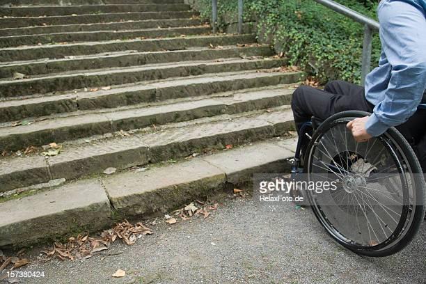 Ruedas usuario frente a la escalera (XXL) de barrera