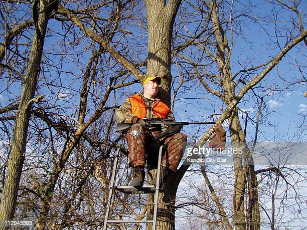 When the Missouri deer season opened Mike Hamblin was in a tree stand on his grandmotherís farm near Chillicothe Missouri