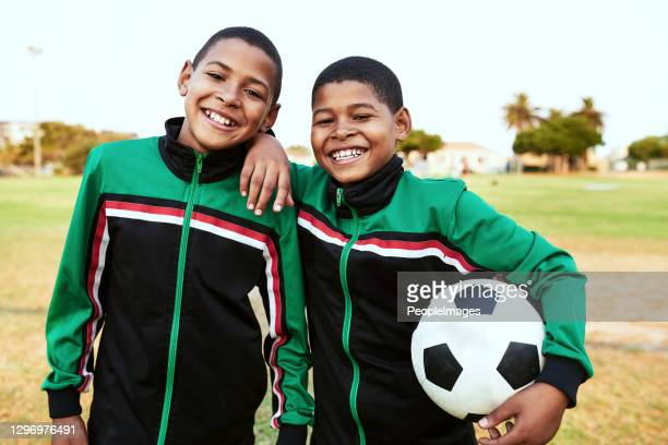 when you need a friend, you can always count on your teammates - club football stock pictures, royalty-free photos & images