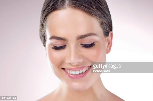 Cuando su régimen de cuidado de la piel finalmente funciona no puede dejar de sonreír