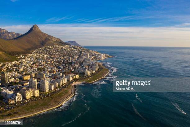 where the city meets the sea - cape town stock pictures, royalty-free photos & images