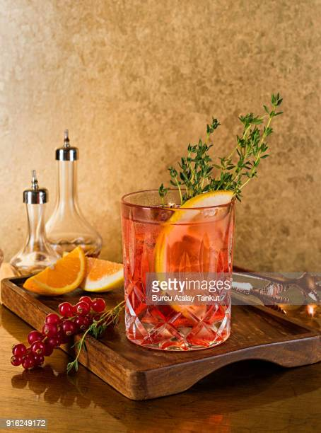 whiskey still life - bourbon whiskey stock-fotos und bilder