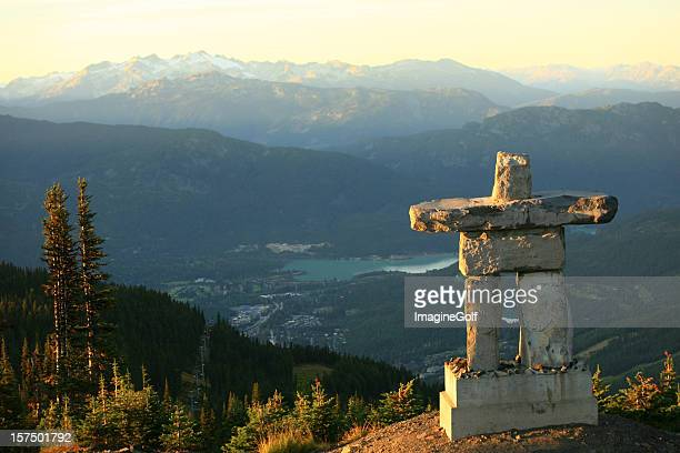 whistler british columbia inukshuk - whistler british columbia stock pictures, royalty-free photos & images