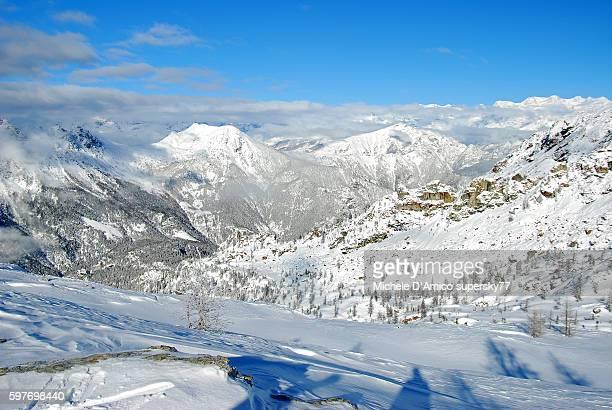 white alpine winter landscape. - valle d'aosta foto e immagini stock
