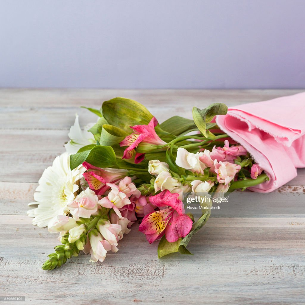 White And Pink Flower Bouquet Stock Photo Getty Images