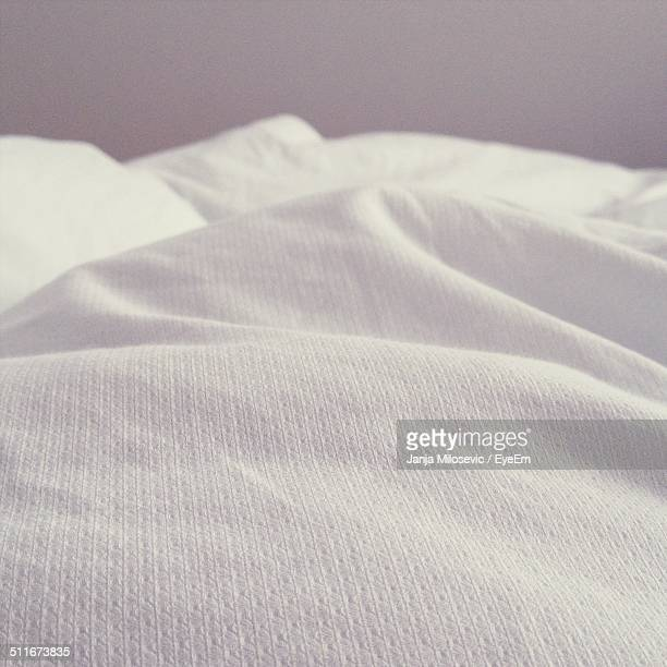 white bedsheet - bedclothes stock pictures, royalty-free photos & images