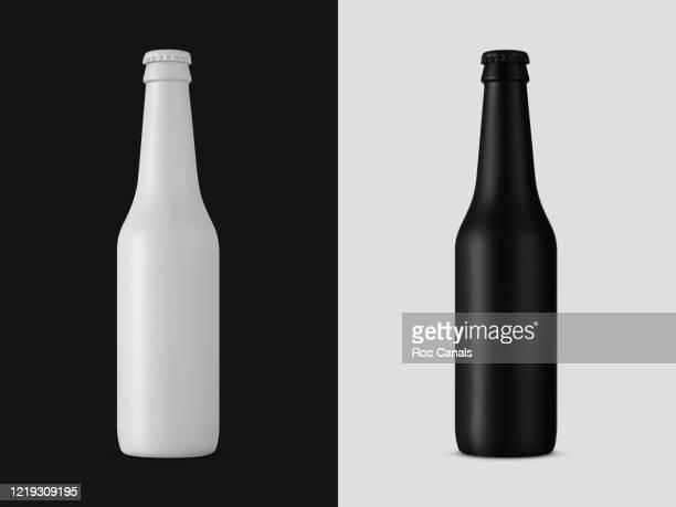 white bottle & black bottle - ビール瓶 ストックフォトと画像