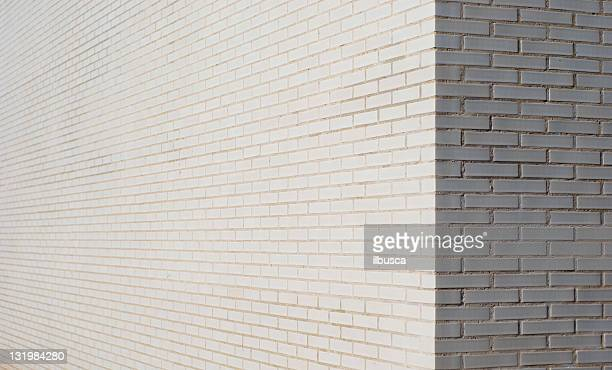 White brick wall Ecke