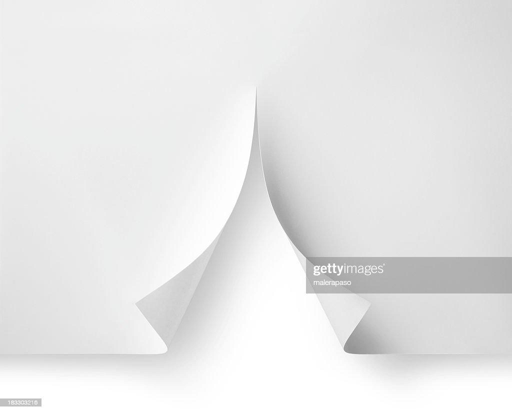 Branco natal. Corte de papel em forma de árvore. : Foto de stock