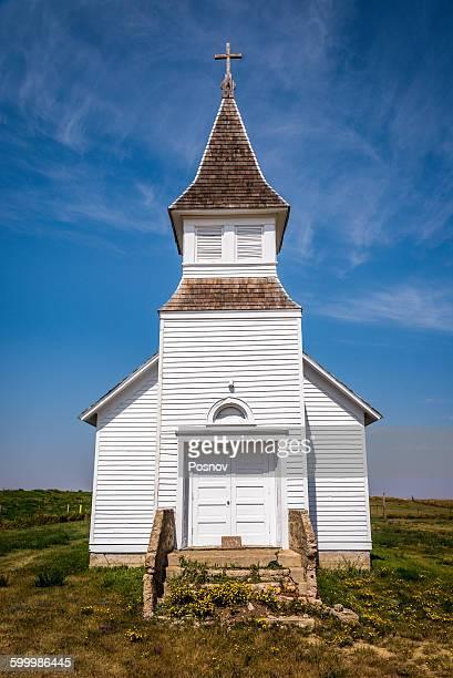 white church - mittlerer westen stock-fotos und bilder