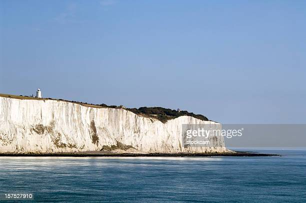 white cliffs of dover in kent, england - kalkstein stock-fotos und bilder