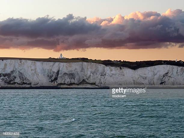 white cliffs of dover in kent england - dover england stock pictures, royalty-free photos & images