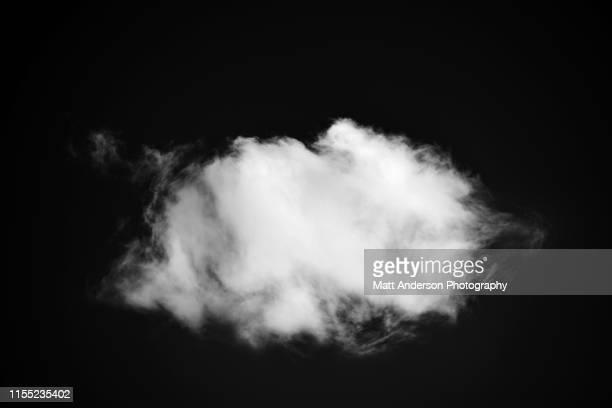 white cloud in dark sky 2546 - cloud sky stockfoto's en -beelden