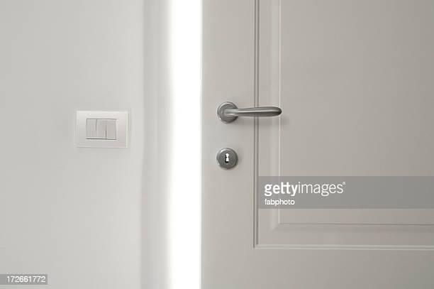 Branco de abertura de portas 2