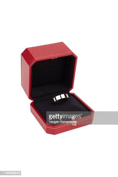 white gold engagement ring in a red jewellery box isolated on white background - engagement ring box - fotografias e filmes do acervo