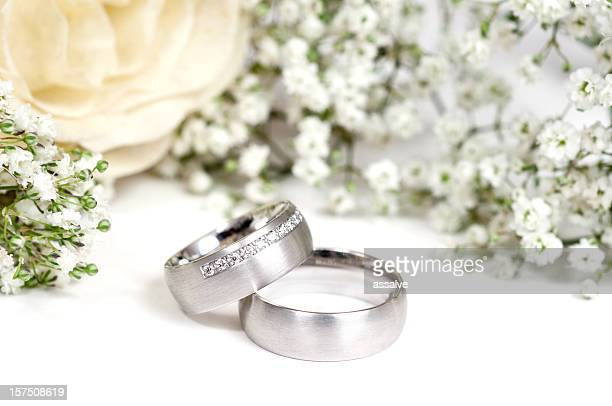 white gold wedding ring - white gold stock pictures, royalty-free photos & images