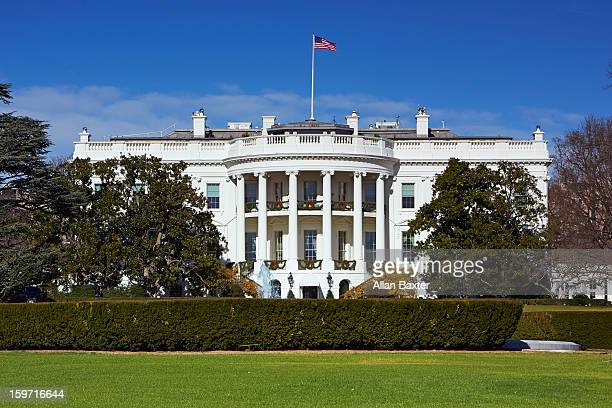 white house at midday - la maison blanche photos et images de collection