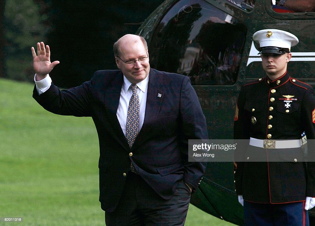 White House Deputy Chief of Staff Joe Hagin waves after he returned to the White House from Crawford, Texas, with U.S. President George W. Bush and First Lady Laura July 20, 2008 in Washington, DC. Hagin is leaving his position at the White House for a private sector job.