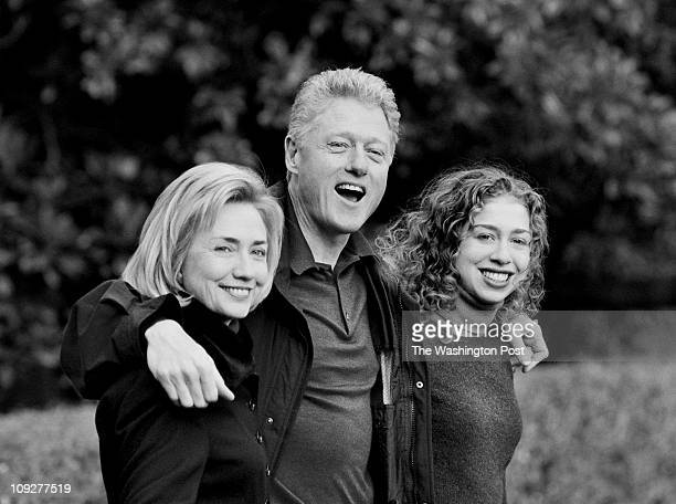 NP White House First Lady Hillary Rodham Clinton President Bill Clinton and daughter Chelsea Clinton leave from the South Lawn for Thanksgiving at...