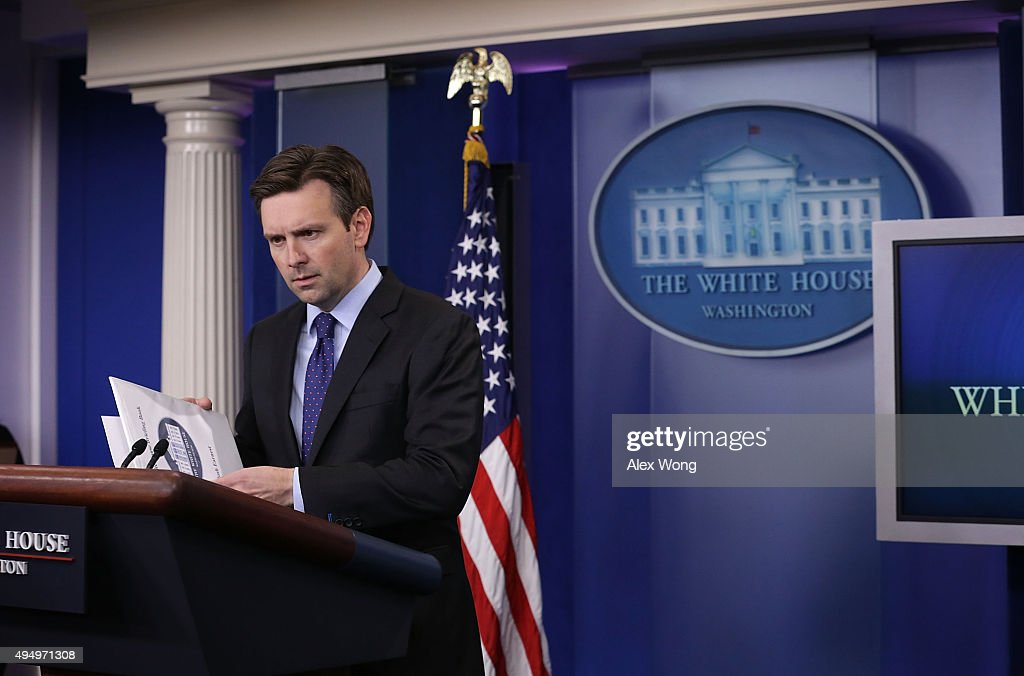 White House Press Secretary Josh Earnest Holds Daily Briefing In White House : News Photo
