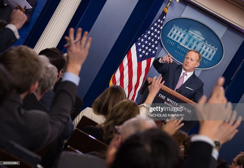 White House Press Secretary Sean Spicer holds the daily press briefing on January 23, 2017 at the White House in Washington, DC. / AFP / NICHOLAS