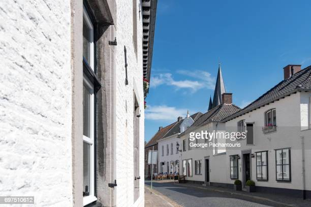white houses of thorn in limburg, netherlands - thorn stock pictures, royalty-free photos & images