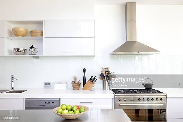 white kitchen - simplicity stock pictures, royalty-free photos & images