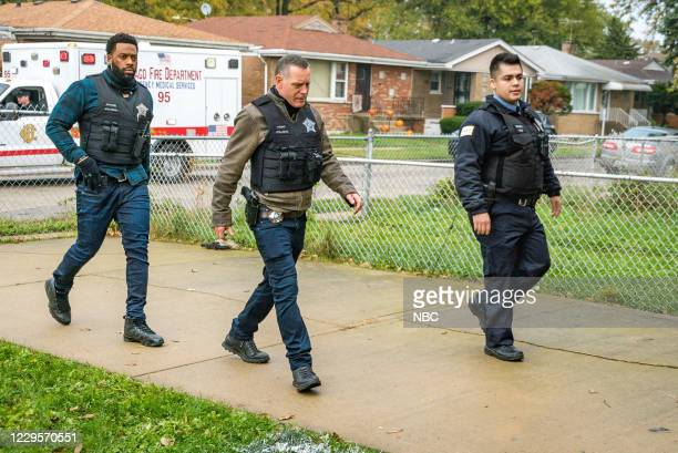 """White Knuckle"""" Episode 802 -- Pictured: LaRoyce Hawkins as Kevin Atwater, Jason Beghe as Hank Voight --"""