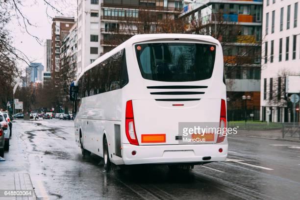 white modern bus - pullman autobus foto e immagini stock