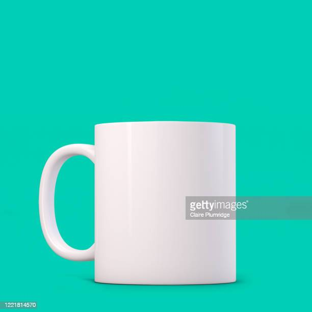 white mug mockup on a green background. perfect for businesses selling mugs, just overlay your quote or design on to the image. - ウェスト・バークシャー ストックフォトと画像