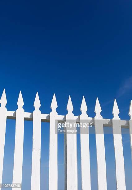 white picket fence - 杭垣 ストックフォトと画像