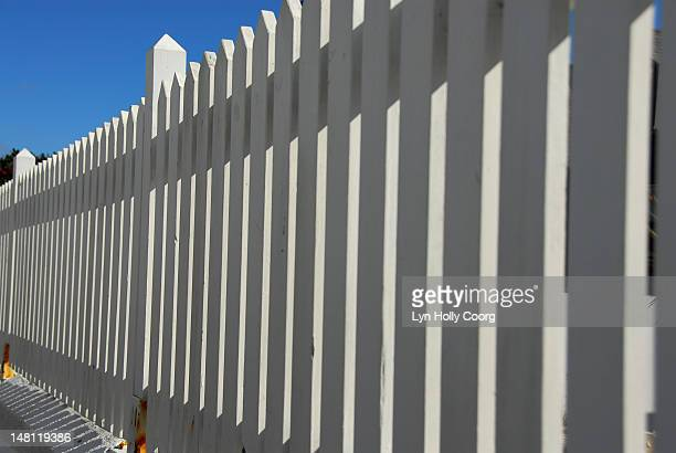 a white picket fence - lyn holly coorg stock pictures, royalty-free photos & images
