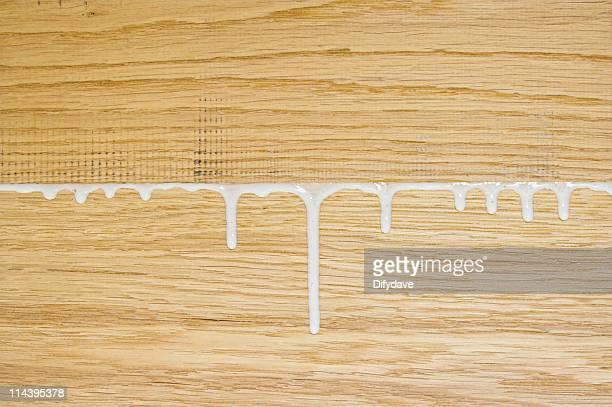 Carpintero blanco PVA pegamento desde común en Oak