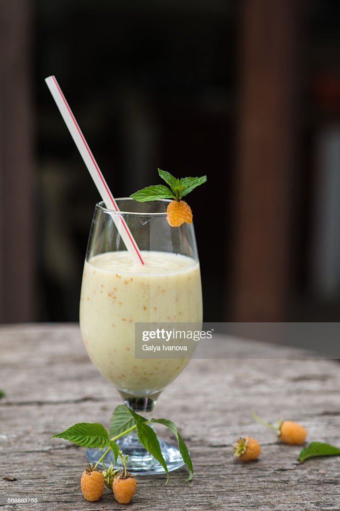 White raspberry shake : Foto de stock