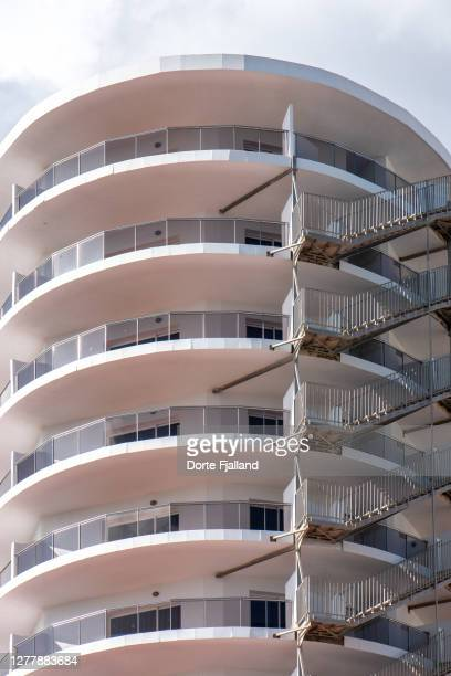 white, round building close-up - dorte fjalland stock pictures, royalty-free photos & images