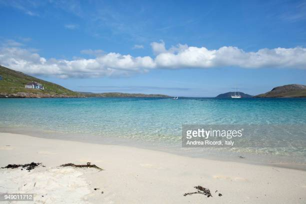 white sandy beach, western isles, scotland - barra scotland stock pictures, royalty-free photos & images