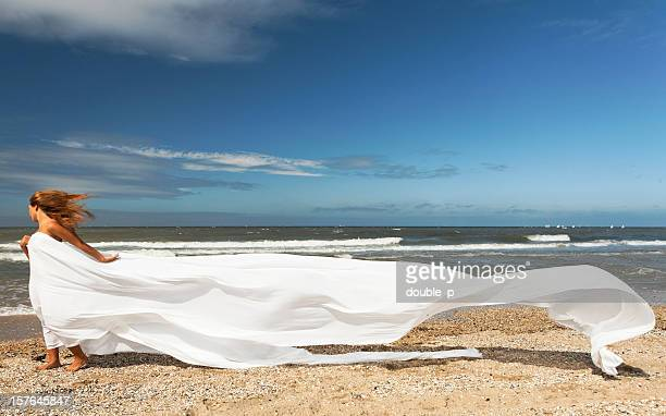 Soie blanche sur la plage