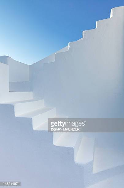 white steps of santorini church - greece stock pictures, royalty-free photos & images
