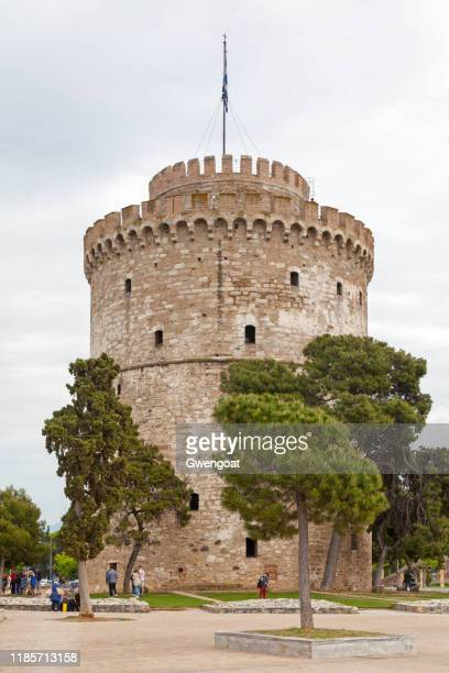 white tower of thessaloniki - thessaloniki stock pictures, royalty-free photos & images