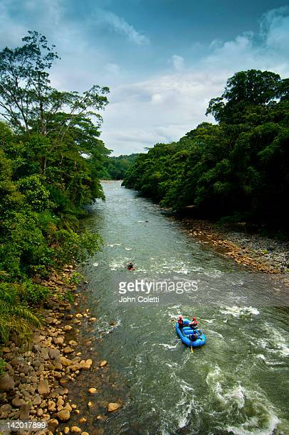 white water rafting, sarapiqui river, costa rica - rafting stock pictures, royalty-free photos & images