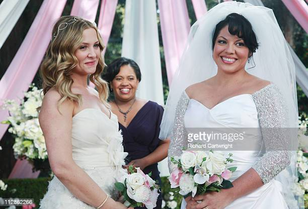 S ANATOMY White Wedding As Callie and Arizona's wedding approaches the couple quickly realize that the day they've been looking forward to is not...